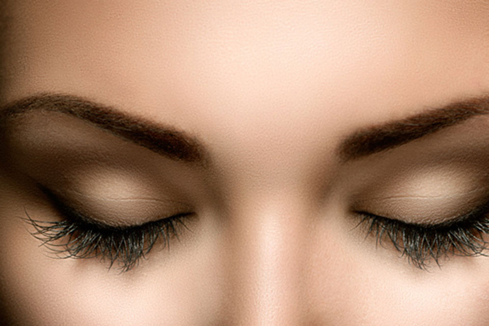 Augenwimpern Färben